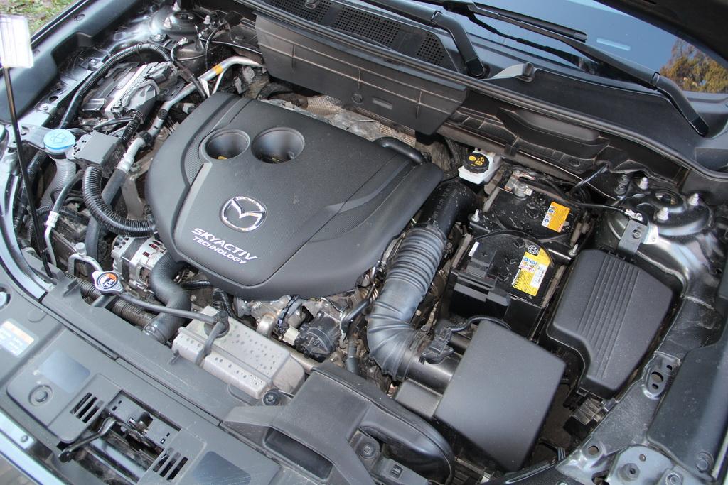 Отличительные особенности Mazda СХ-5 и как купить из США