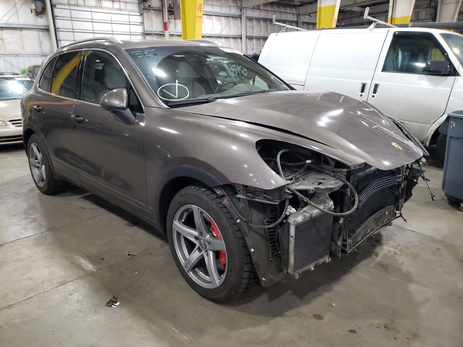 Porsche Cayenne TU 2014