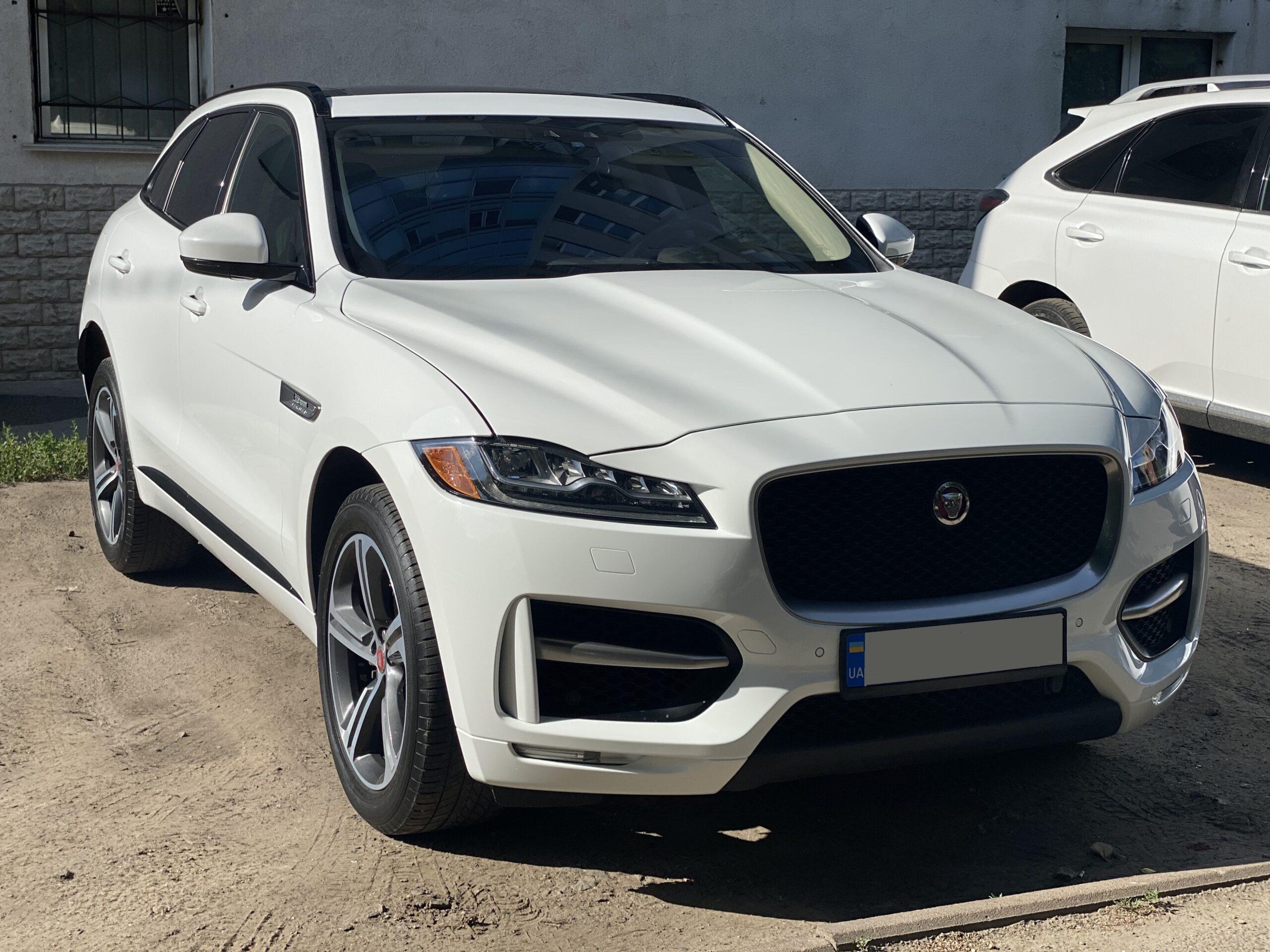 2017 Jaguar F-Pace R – Sport