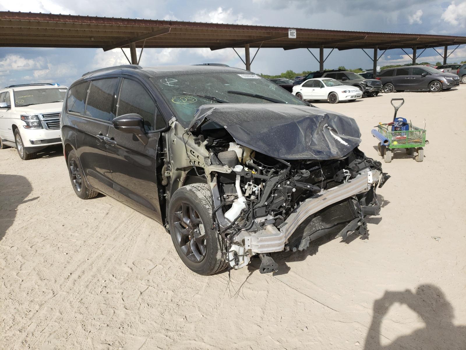 Chrysler Pacifica T 2018